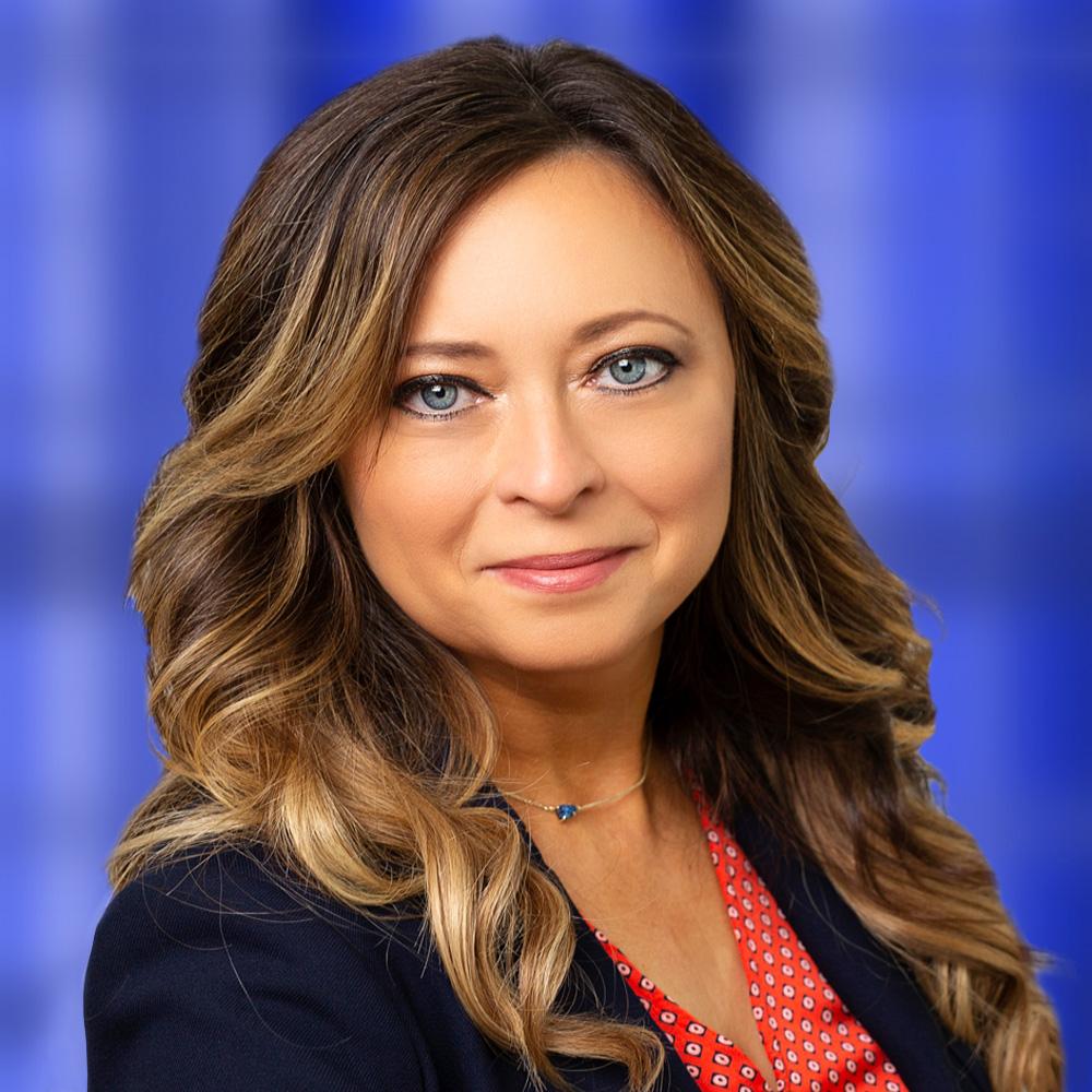 VP of sales, Lisa Mackie headshot
