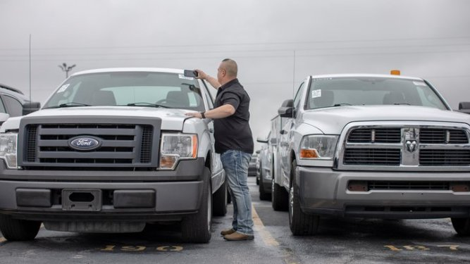 car dealer wholesale financing lot