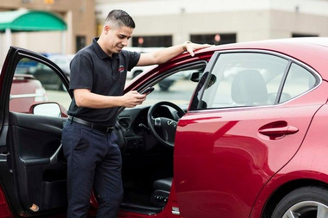 Dealer using the valuation tool